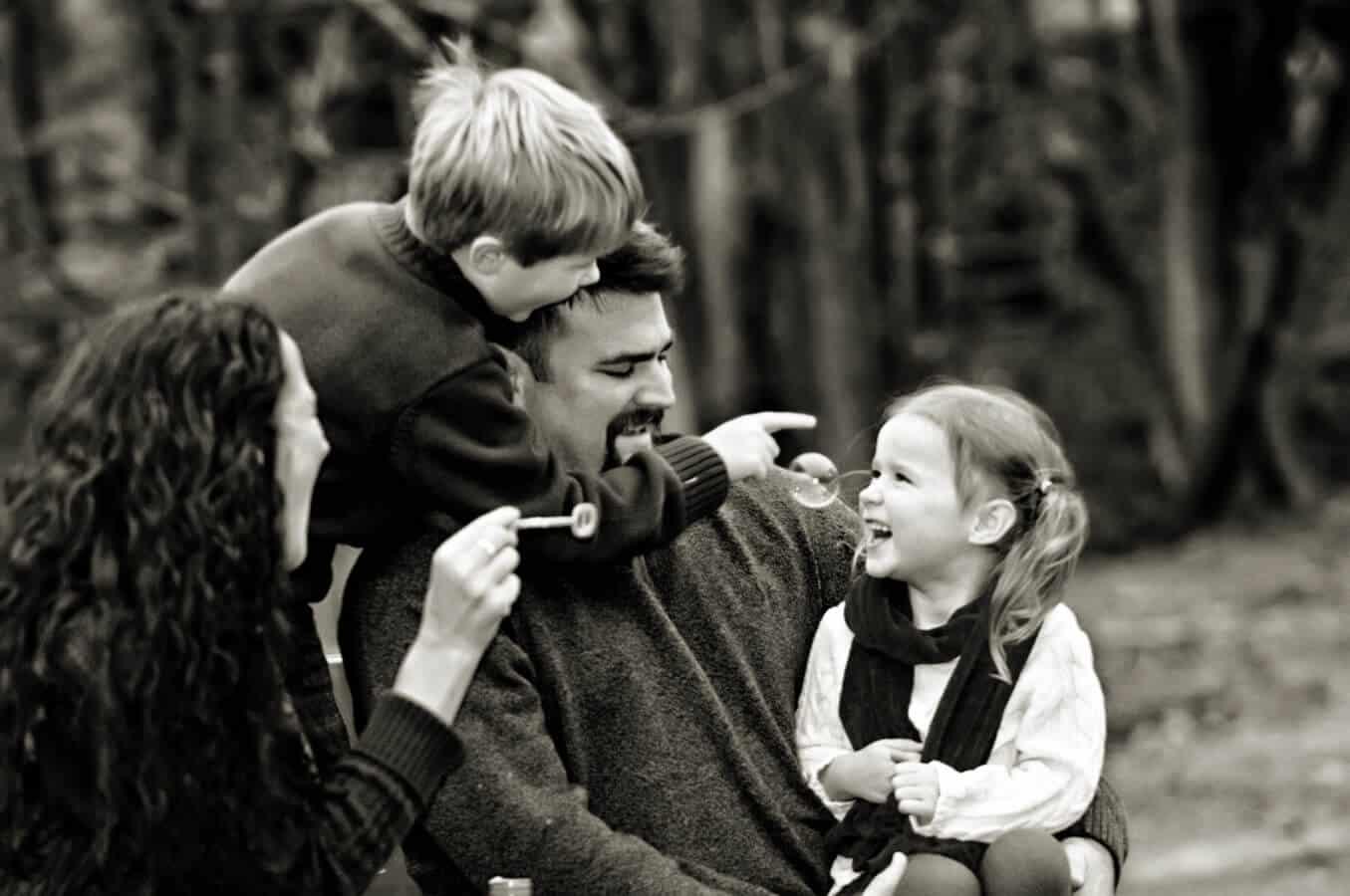 family portrait, children, outdoor, natural light, Northern VA