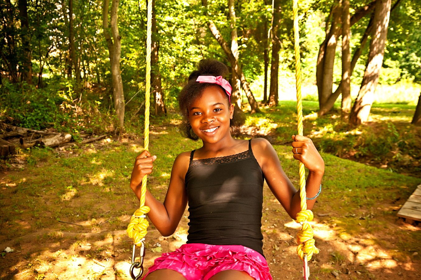 child, portrait, outdoor, swing, natural light, Northern VA