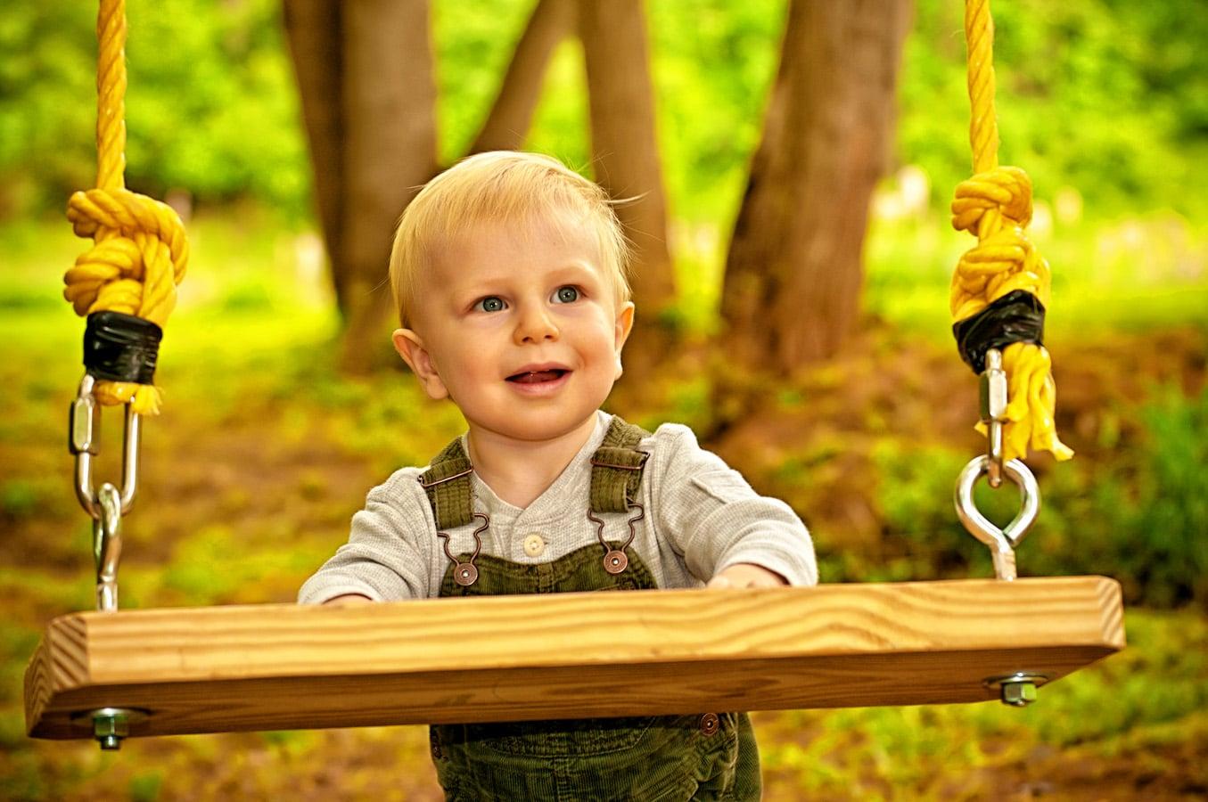 child, portrait, swing, outdoor, natural light, Northern VA