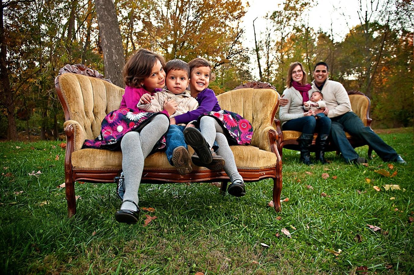 children, family portrait, sofa, outdoor, Northern VA