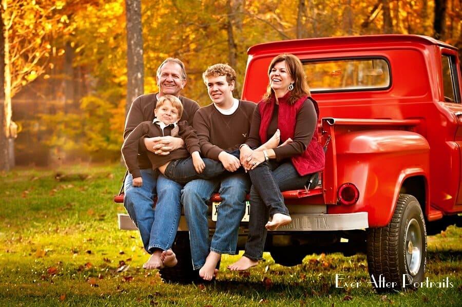Vintage-Visions-Truck-Family-Portrait-Photography-001
