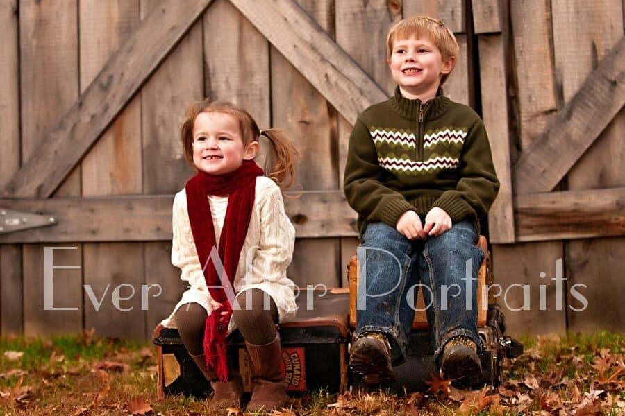 Outdoor sibling photos in Northern VA
