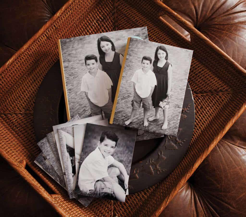 professional photographer portrait box with prints