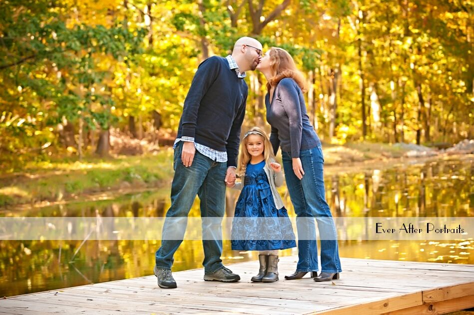 We've been published on The Loudoun Homeowner! 5 Secrets to Make Your Family Portraits Amazing! | Northern VA Family Photographer